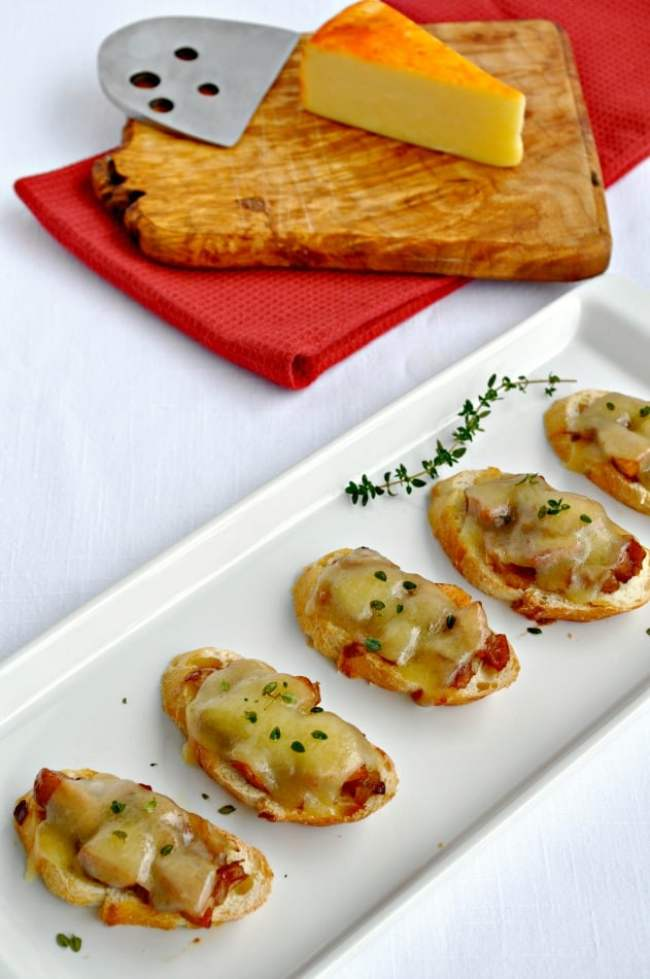 Caramelized Onion, Apple and Cheese Crostini .