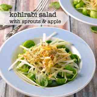 Kohlrabi Salad with Sprouts and Apple |www.flavourandsavour.com A crispy, crunchy winter salad.