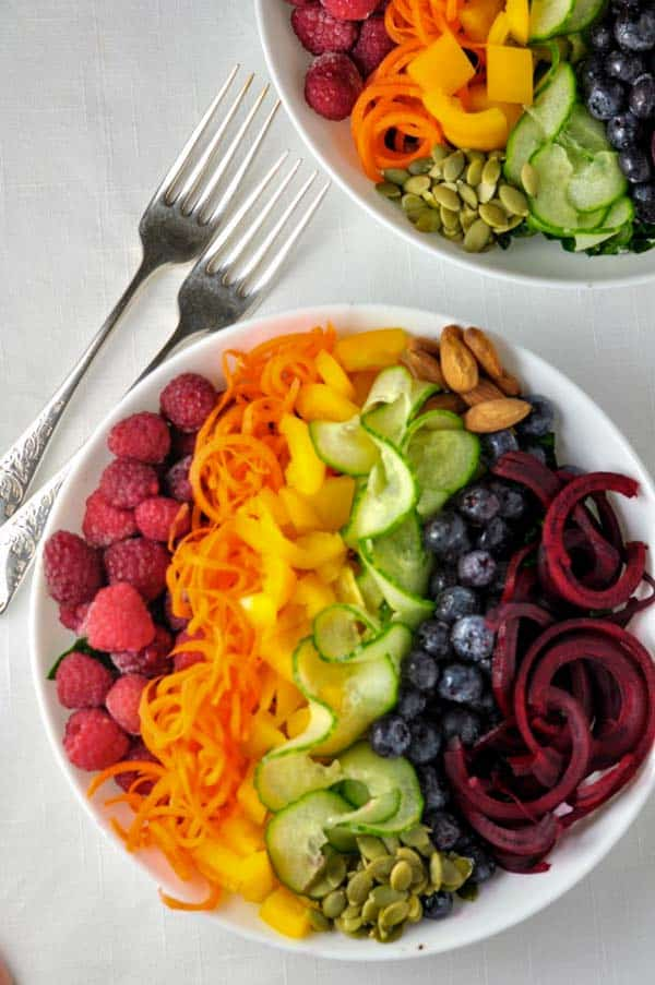 Cleanse your body, eliminate toxins and brighten your skin with this colourful salad, full of healthy fruit and vegetables.