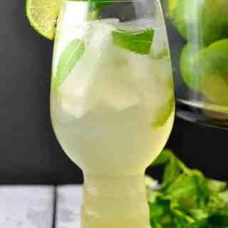 Ginger Mint Cooler. Make it a mocktail or a cocktail! |www.flavourandsavour.com