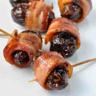 How to make Bacon Wrapped Cheese Stuffed Dates |www.flavourandsavour.com