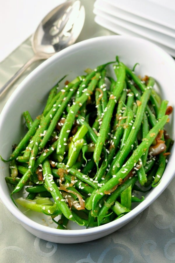 Sesame Ginger Green Beans. Quick and easy. One of our family's favourite holiday side dishes.|www.flavourandsavour.com