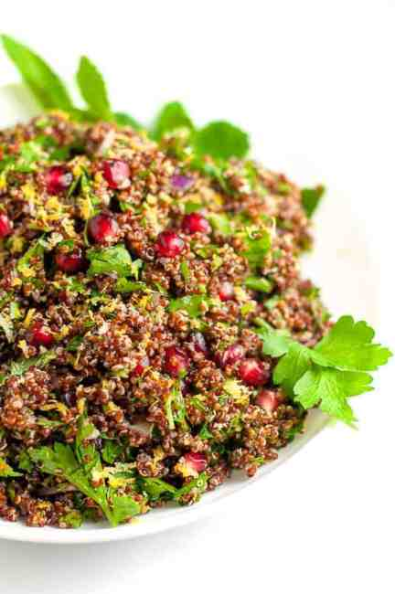 Red Quinoa Tabouli with Pomegranate. All the flavour and nutrition of tabouli, now gluten-free! |www.flavourandsavour.com