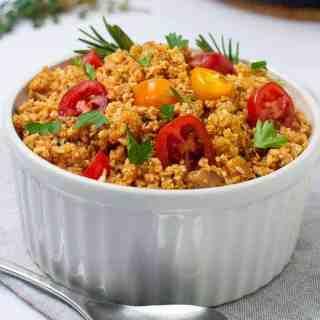 3 easy steps to make cauliflower rice, Spanish style