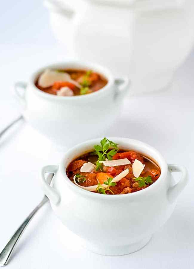 One-Pot Healthy Tuscan Minestrone Soup