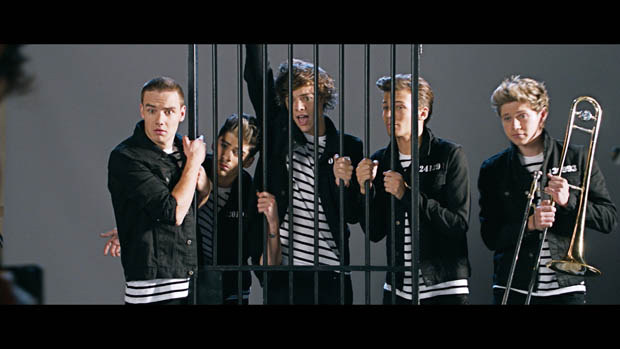 One Direction Kiss Me 7