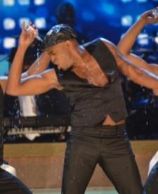 020814-shows-honors-show-highlights-wayne-brady-oil