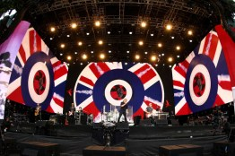 LONDON, ENGLAND - JUNE 26: The Who performs at the Barclaycard British Summertime gigs at Hyde Park on June 26, 2015 in London, England. (Photo by Dave J Hogan/Getty Images) *** Local Caption *** The Who