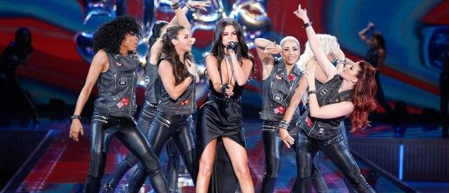 fashion-show-2015-musical-performer-selena-gomez-5-victorias-secret