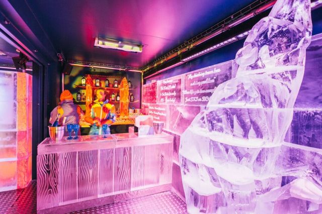 Eis Haus Ice Bar - Christmas by the river