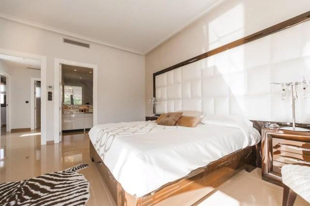 sophisticated grown-up bedroom