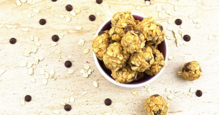 Oatmeal Energy Balls (Vegan & GF no bake cookie bites)