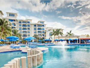 cancun-barcelo-hotels-swimming-pool21-8243