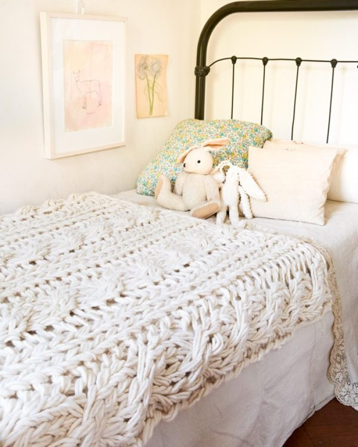 Hand Knit / Arm Knit Blanket Kit by @flaxandtwine - CABLES!