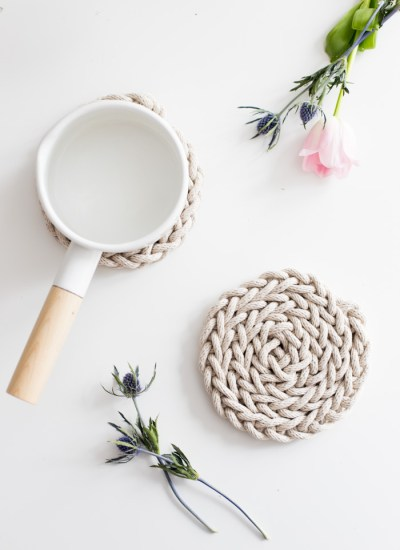 DIY Finger Knit Rope Trivet Tutorial