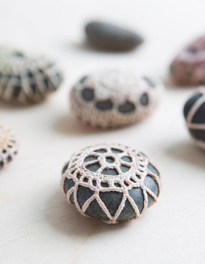 How To Video for Crochet Stones with Anne Weil of Flax & Twine for Creativebug