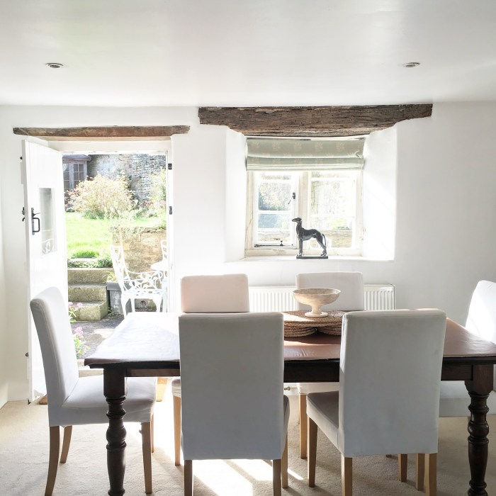 A Cotswolds Cottage in England, photography by Anne Weil of Flax & Twine