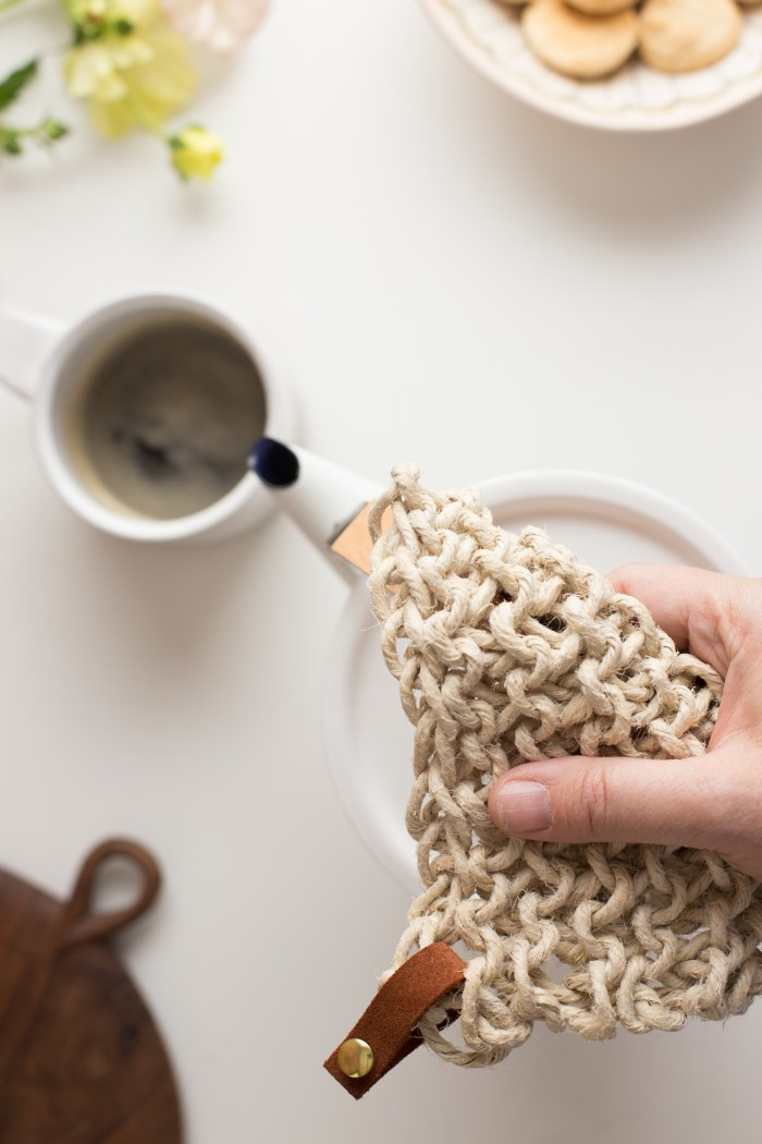 Knit Twine Potholder Pattern by Anne Weil of Flax & Twine