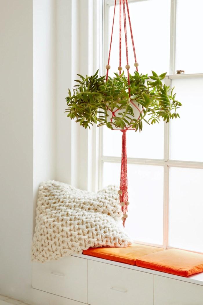 Diy Finger Knit Hanging Plant Holder Flax Twine