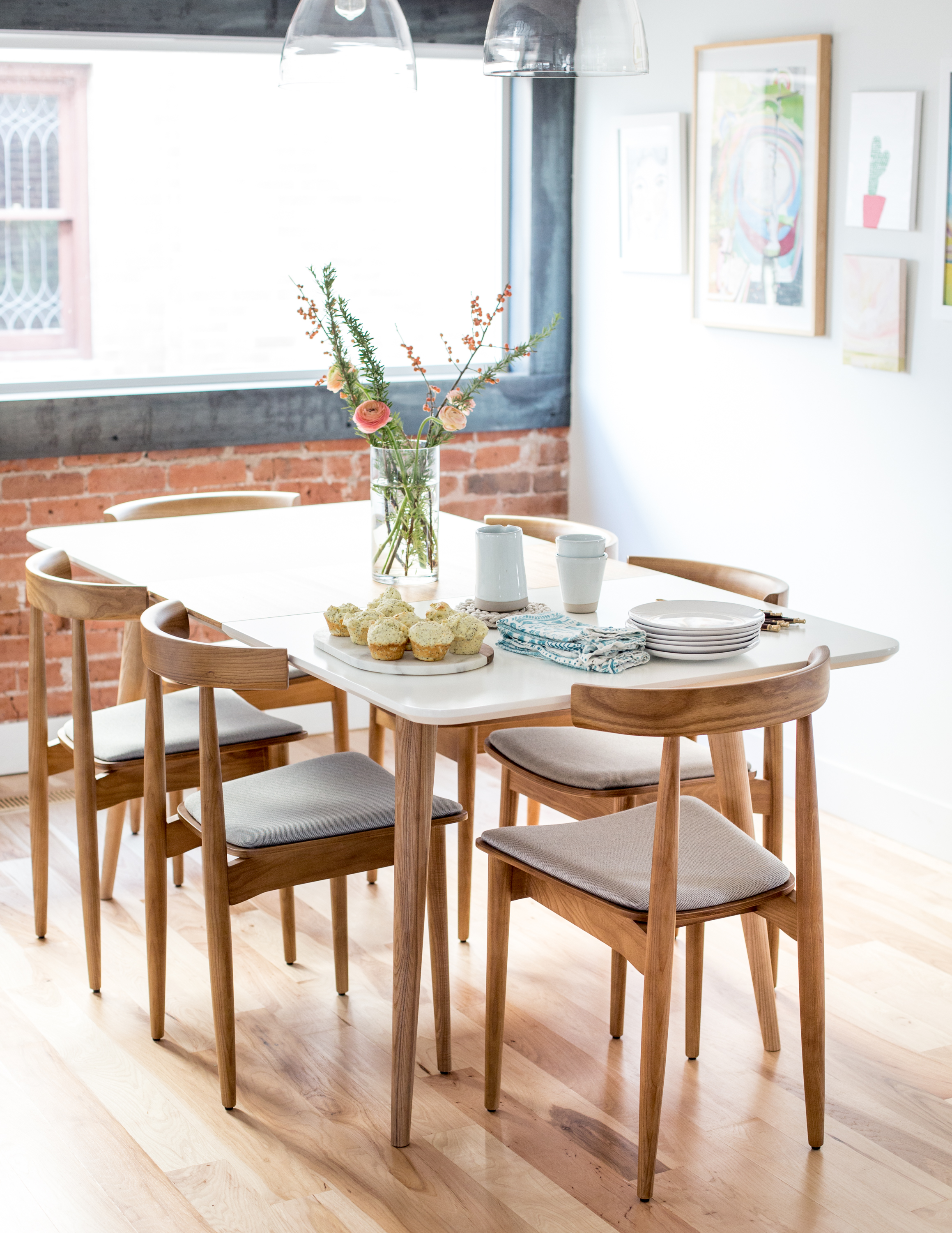 Table Chairs Contemporary And