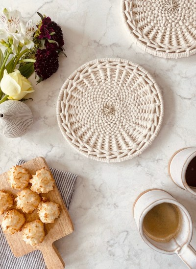 Circular Weaving Video Course – Woven Cotton Trivet