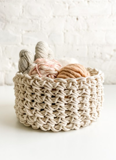 Finger Crochet a Gorgeous Basket with Natural Rope