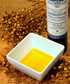 Flax Farm organic cold-pressed linseed oil for dogs