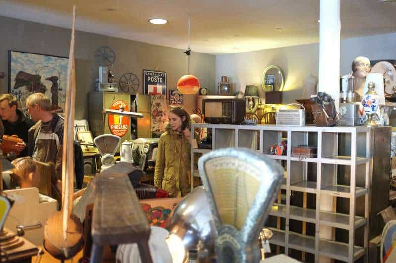 The antique dealers of Rue Haute and Rue Blaes