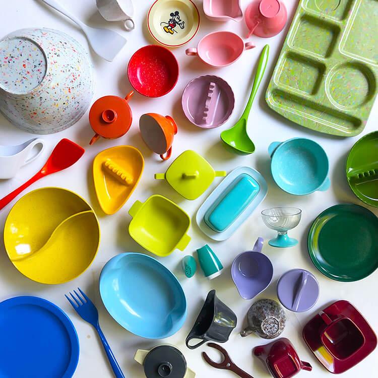 An array of colorful antique kitchen decor.