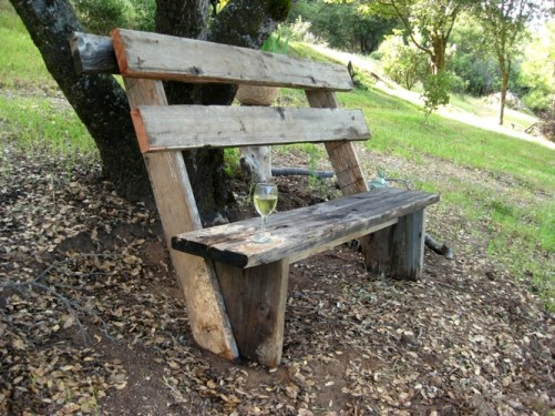 Bench made to lean