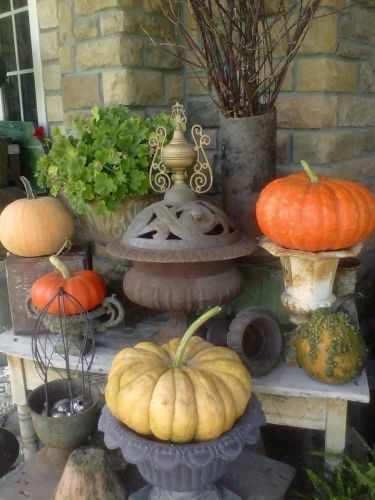 The Rusty Pumpkin porch