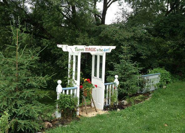 Brenda Krantz\u0027s door arbor into a secret garden. & Making snazzy re-purposed garden arches | Flea Market Gardening