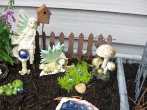 Jennifer Fox's garden and handmade picket fence