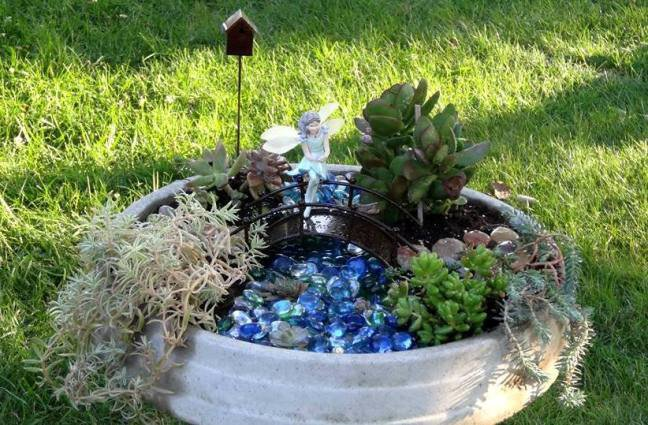 Bird Bath garden detail