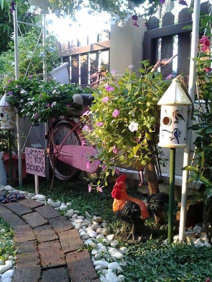 Aniss Sweet Garden Vignettes Flea Market Gardening