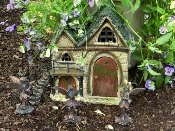 LoriAnne Ros's most quaint fairy house