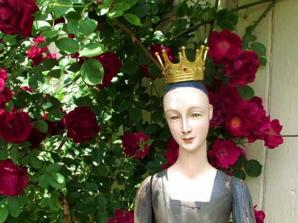 My rose garden Queen