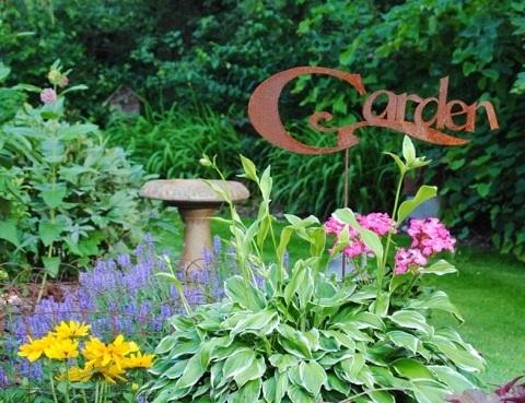 Teresau0027s Junk Filled Summer Garden