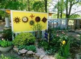 Dandi Gentry's chicken coop garden (13)