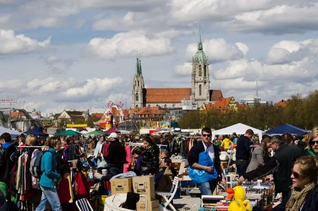 Theresienwiese flea market © Kristal Dale