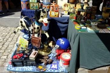 Feira da Ladra flea market Lisboa 001