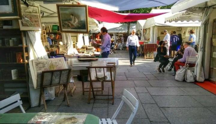 Salon de la Bibliophilie et du Document Ancien - Flea Market ...