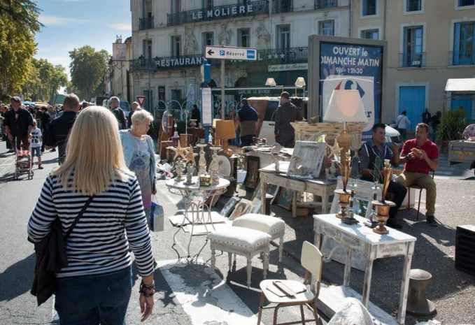 P zenas a mecca for antiques shoppers in southern france for Antique fairs and flea markets 2016