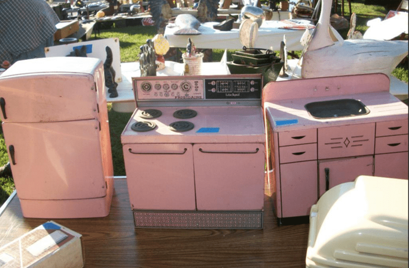 retro kitchen. rogers flea market