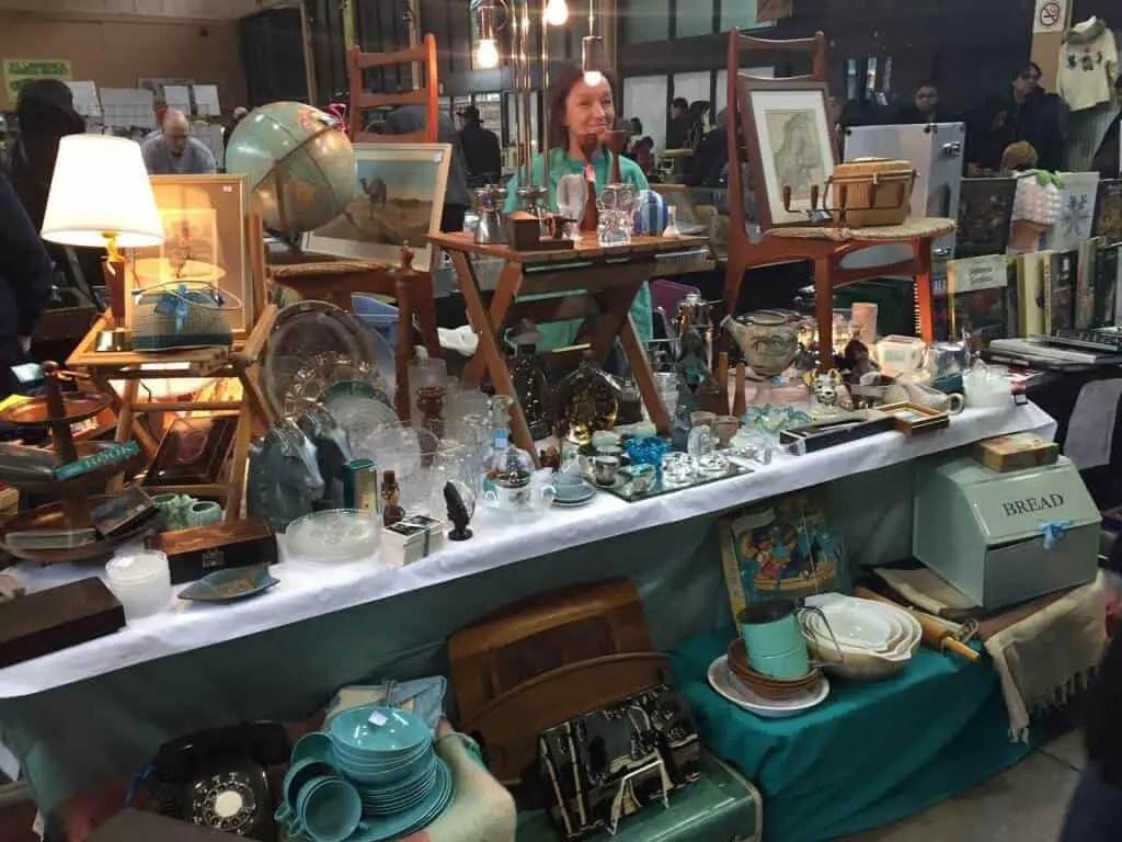Sunday Antique Market - Flea Markets in Ontario