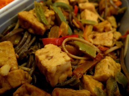 Soba tempeh-poivron et crudités - Fleanette's Kitchen