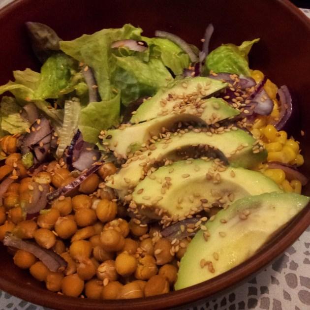 Buddha bowl pois chiches, maïs,  avocat... - Fleanette's Kitchen