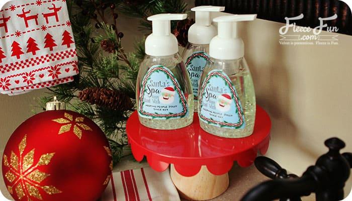 holiday-foaming-soap-tutoiral-on-fleece-fun-700-x-400
