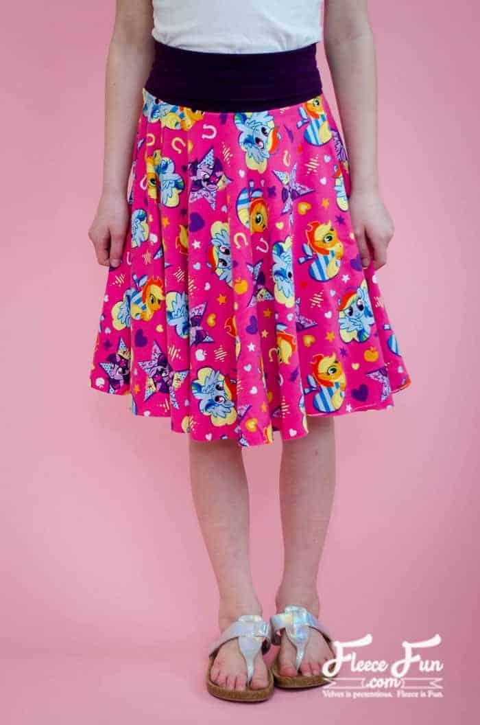 Free pattern: Girls circle skirt with yoga waist band