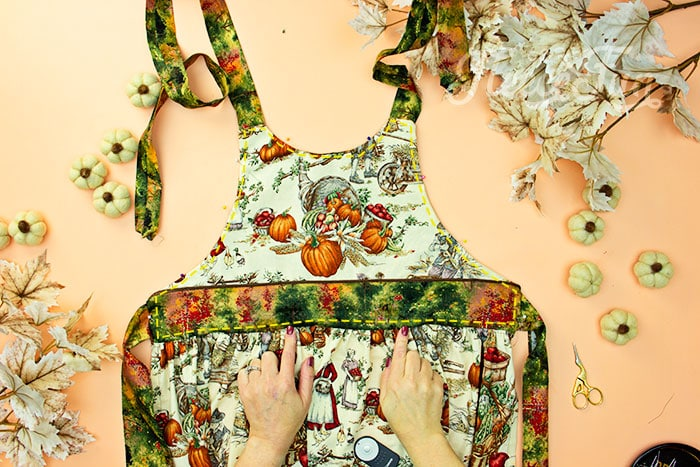 topstitch in place. This Free apron pattern and tutorial includes a pdf pattern and video! Make a vintage style apron that is chic.